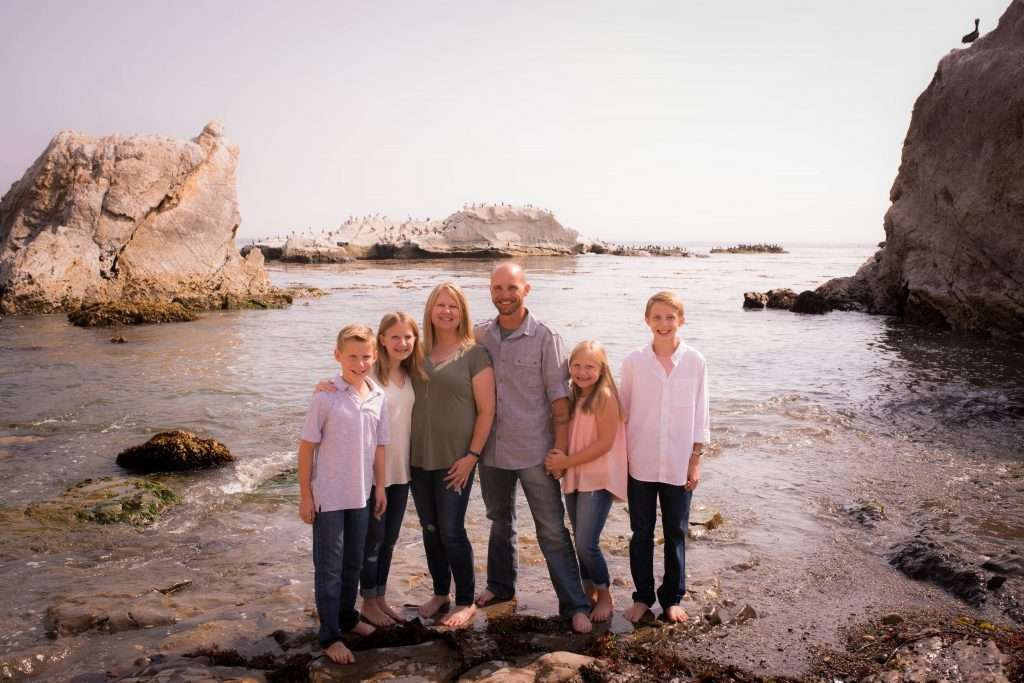 Family photo in pismo beach with sea view